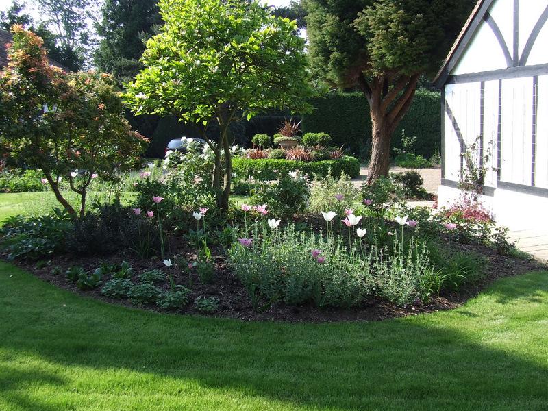 Traditional country garden landscape design in Frant near Tunbridge Wells